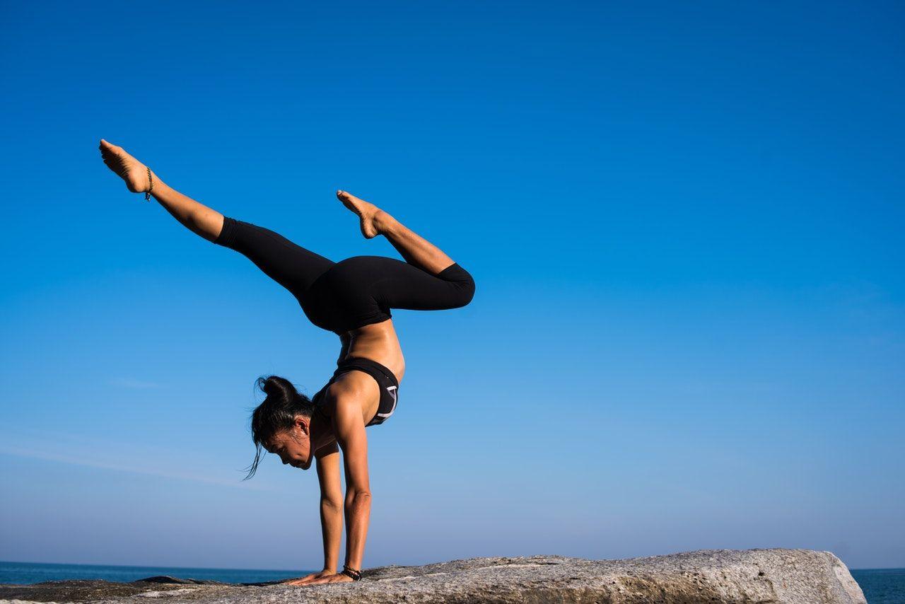 Beneficios físicos y mentales del yoga.